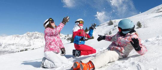 Profiter de vacances au ski à prix réduits en réservant en ligne